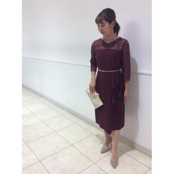 袖つきタイトドレス
