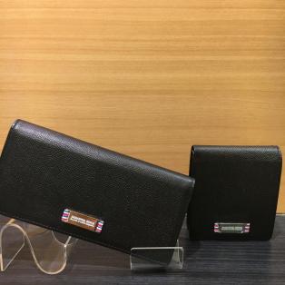 シンプルなお財布!!