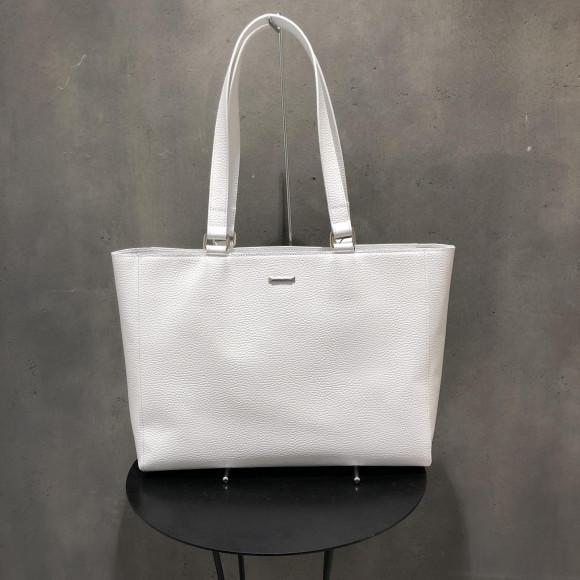White...☆☆