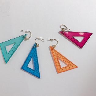 三角定規ピアス
