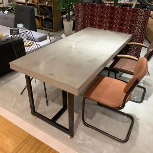 【ご紹介】Plasterer (左官) テーブル