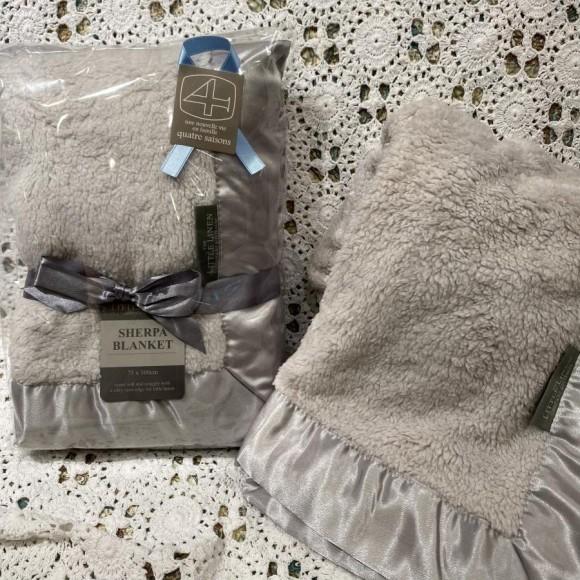 Little Linen Companyブランケット
