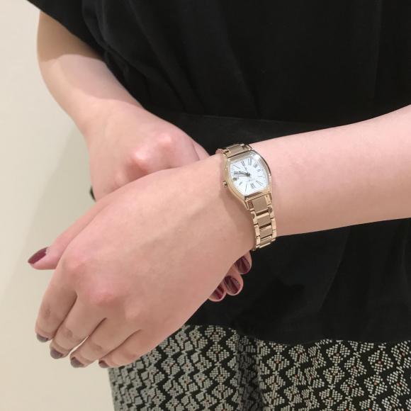 【xC】シチズン限定 サクラピンクの腕時計