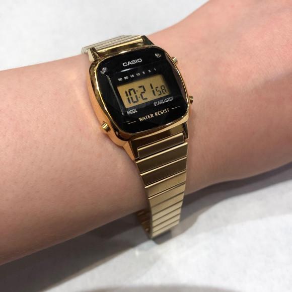 人気のブランドの時計を新しく取り揃えました。