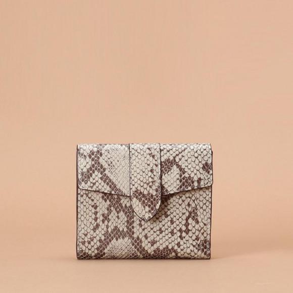パイソン柄 折財布