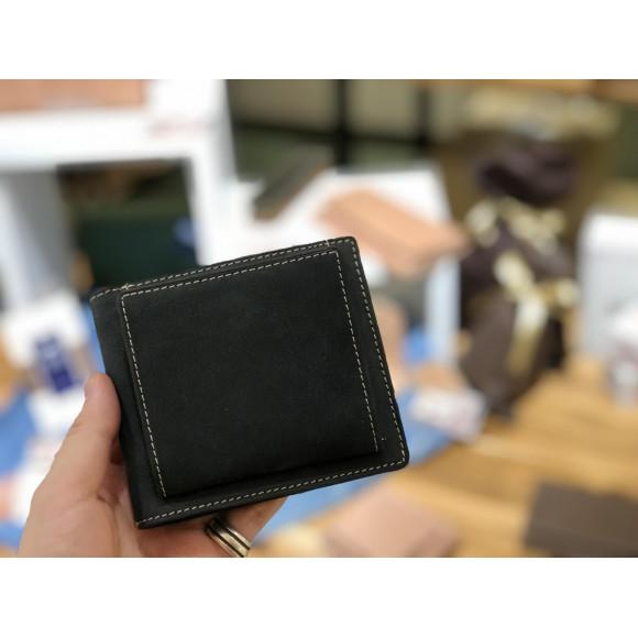 コインポケットがいいアクセントの二つ折財布