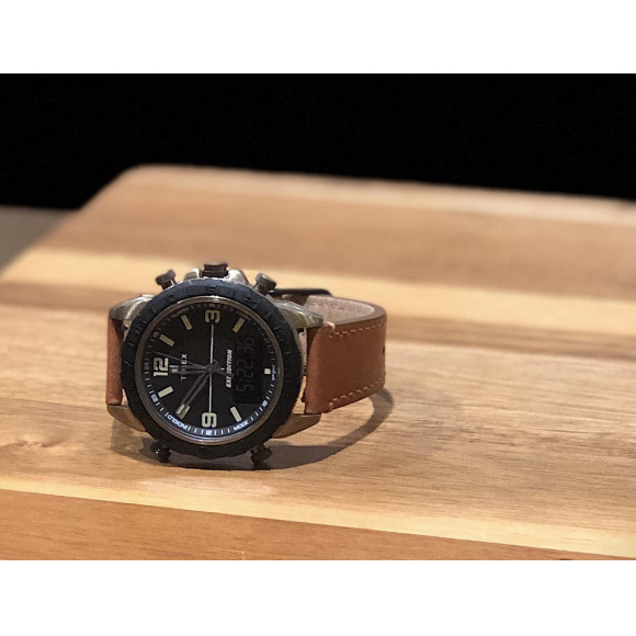 レトロフューチャーな時計