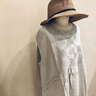 刺繍のウェア