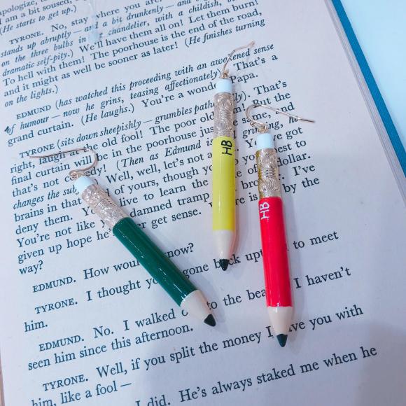 鉛筆!?のピアス