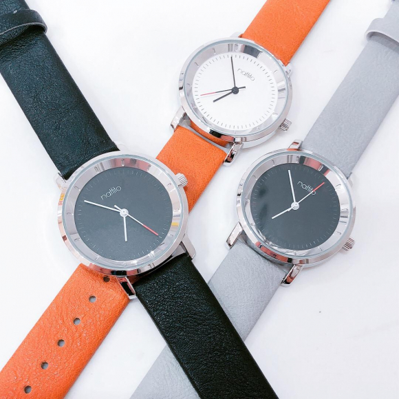 新作★腕時計入荷