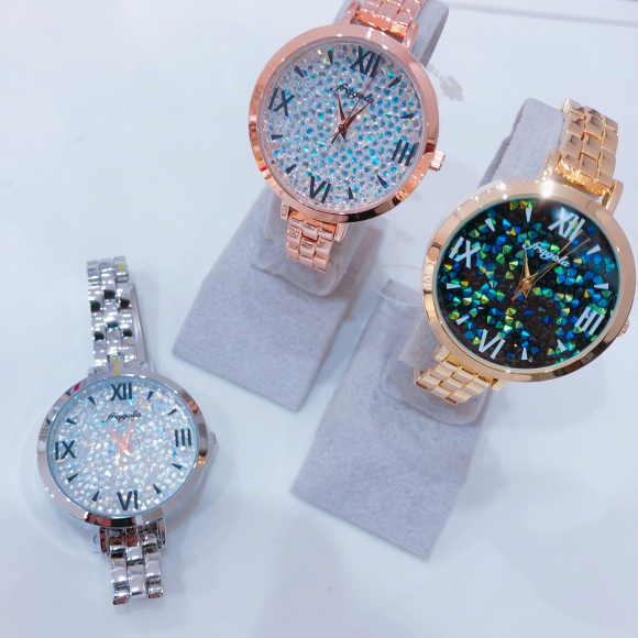 NEW★腕時計入荷