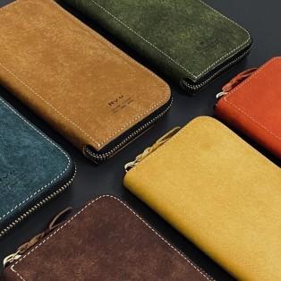 本日は開運日!人気のお財布のご紹介‼