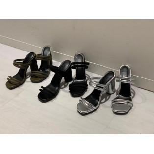 新作の靴♡