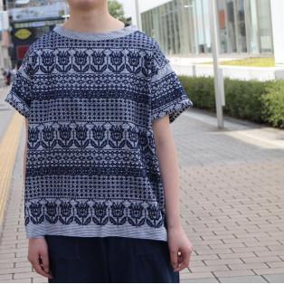 ダンガリーのチューリップ刺繍Tシャツ