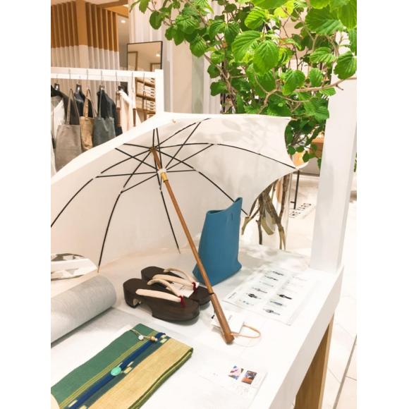 リネンの日傘 ホワイト入荷しました