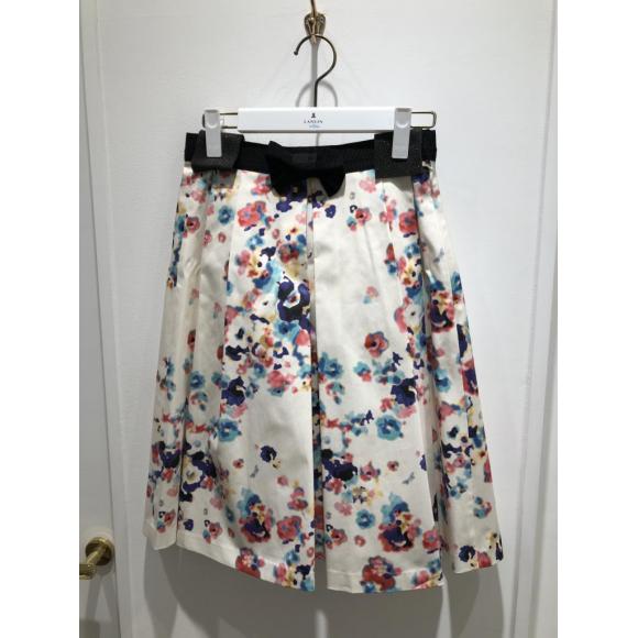 このスカートかわいいです♡