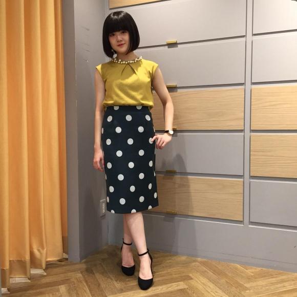 レトロなドットが可愛い♡タイトスカート