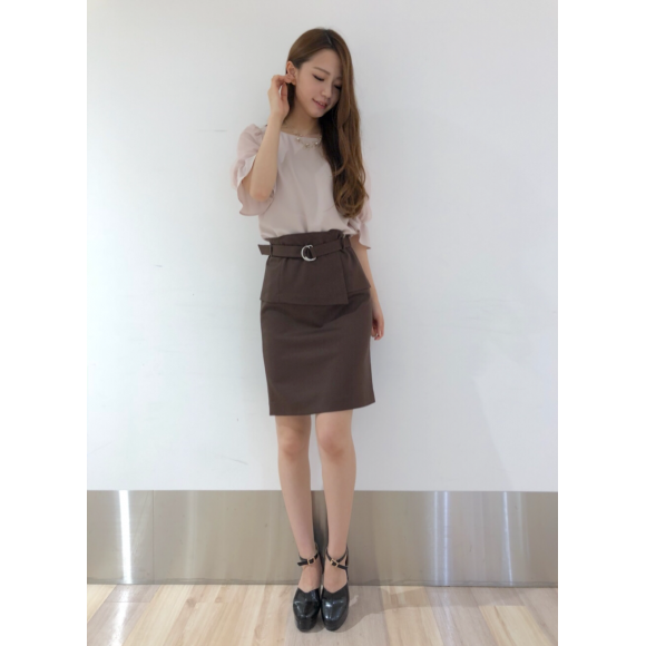 デザイン性&トレンド感ばっちりのスカート♡
