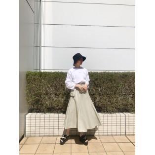 大人気の形がきれいなフレアスカートのご紹介☆