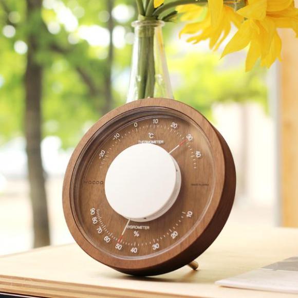 【木製温湿度計で更にお部屋を華やかに!】