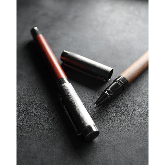 高級感漂う丸型木製ボールペン