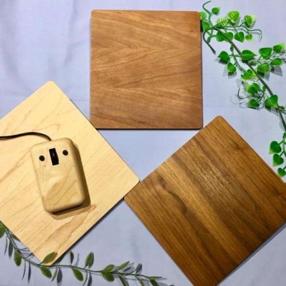 ちょっと大きめの木製マウスパッド「Koro」