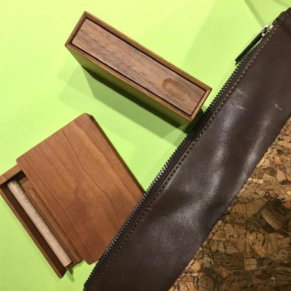 高級感漂う木製タバコ・シガレットケース