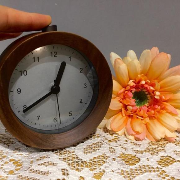 【9月の新商品!! アラームとライト付き木製置時計】