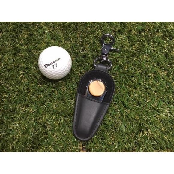 ゴルファーの必需品、木製グリーンフォーク