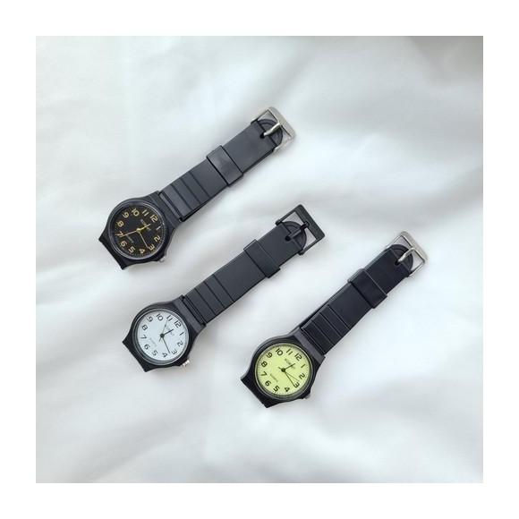 スタンダード クォーツ ラウンドフェイス ウォッチ 腕時計 / 時計
