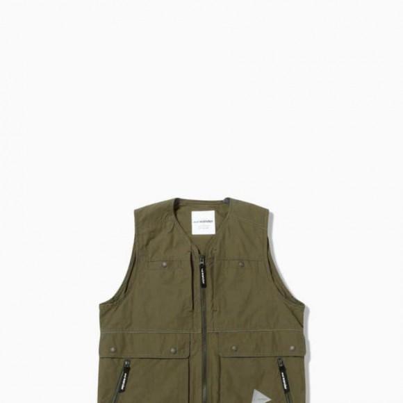 and wander / nylon taffeta vest