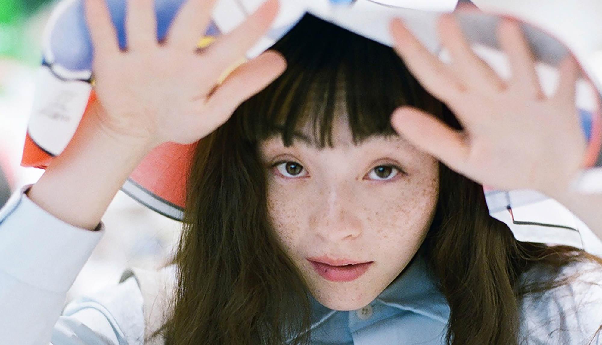 モトーラ世理奈×FRED PERRY/ほぼ日カルチャん|音楽やファッション、手帳や美術展など、文化とカルチャーに出合える渋谷PARCO