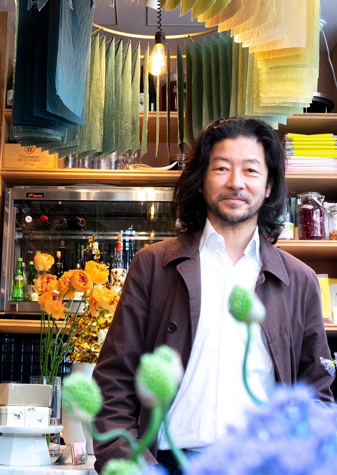 Living | with a feeling of Tadanobu Asano X THE LITTLE BAR OF FLOWERS/H.P.DECO art Be charmed by flower and art