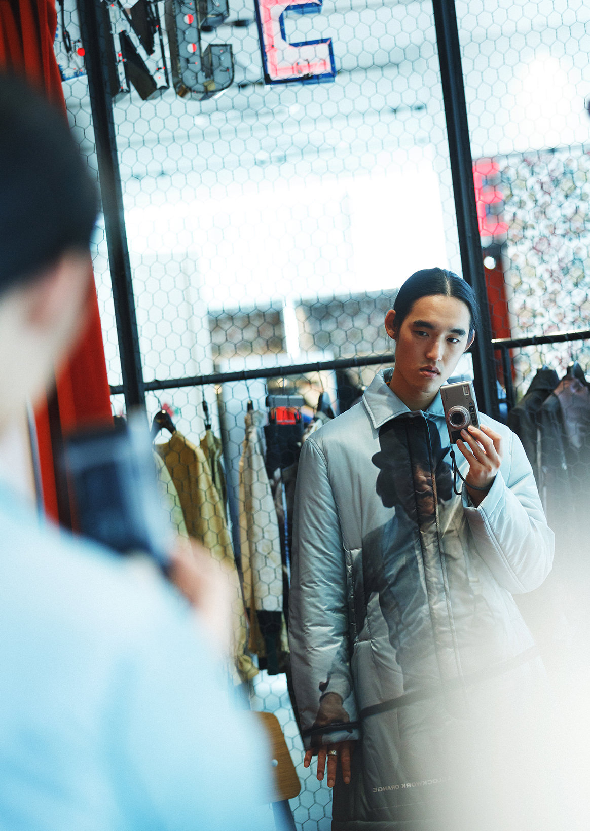 服部恭平×UNDERCOVER NOISE LAB|复数的品牌线在一个空间混在一起的新的接近。