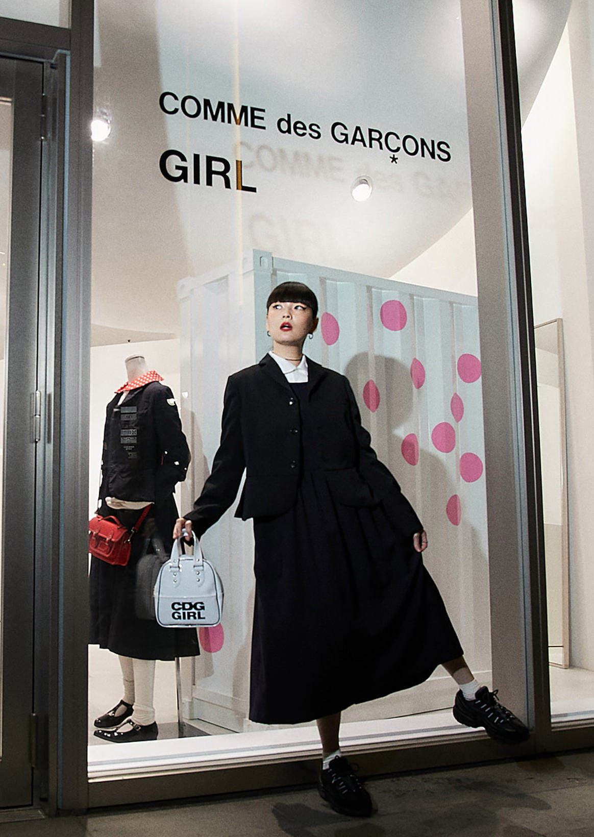 Kozue Akimoto X COMME des GARÇONS GIRL | Brand first independent shop that attributive quality gathered in a hall from standard