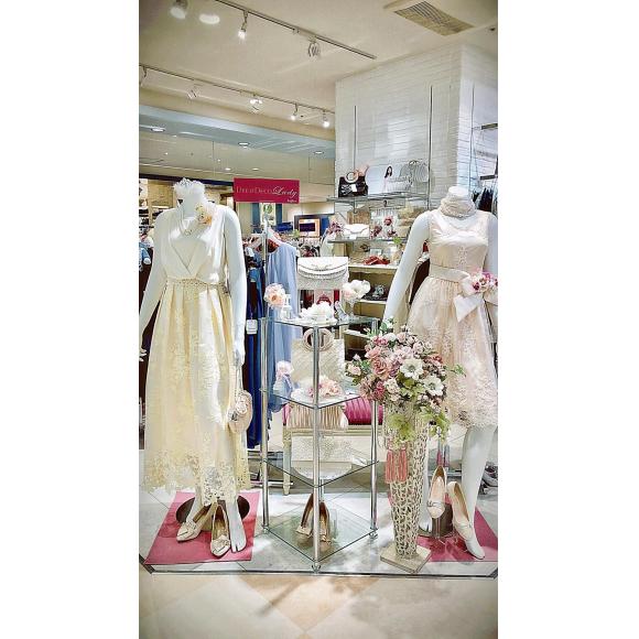 ☆☆☆花嫁のプチウェディングや、二次会等に! ☆☆☆     待望の白のドレスが入荷しました☆☆☆