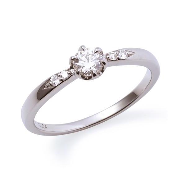 ご婚約指輪♡どういう時に着けていく?