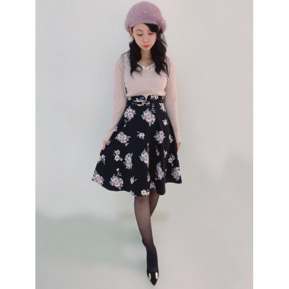 新作♡ニット×花柄スカート