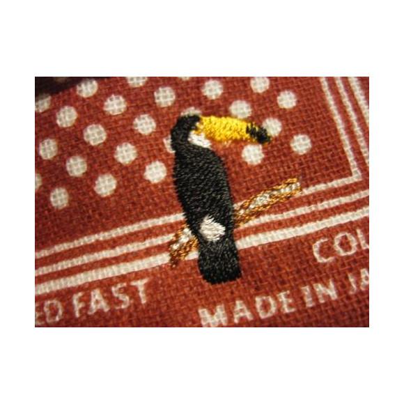 ワンポイントの刺繍がおしゃれなハンカチが入荷☆