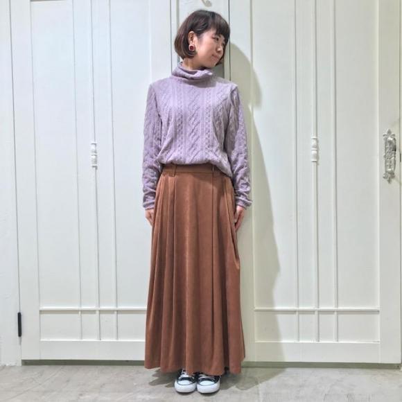 落ち感のある綺麗なシルエットのスカート