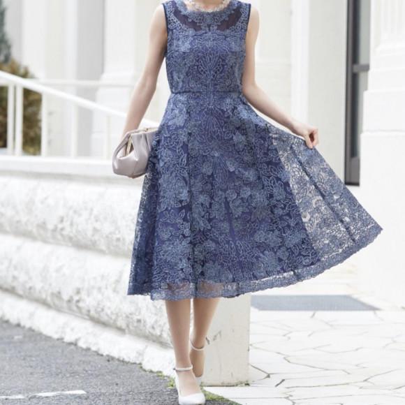 上品で華やかな素敵なドレス