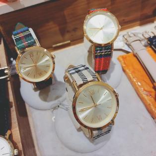 チェック柄ベルト腕時計♪