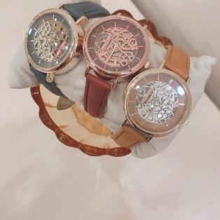スケルトン時計⌚︎