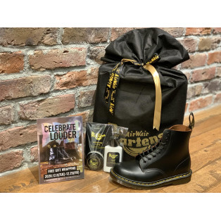 Dr.Martens FREE GIFT WRAPPING