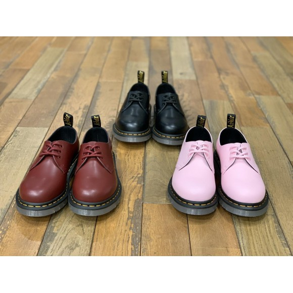 Dr.Martens 新作 斬新 クリアソール