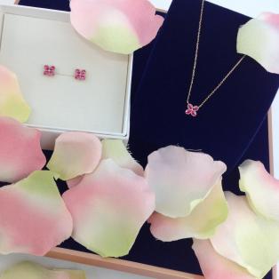 甘すぎないピンクがポイントのシリーズ♡