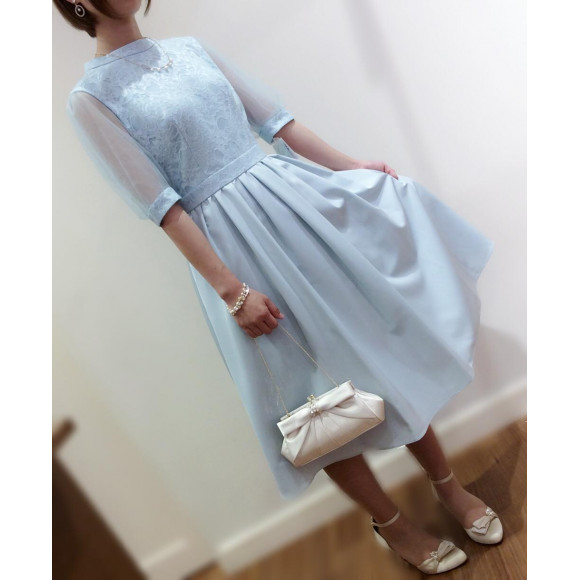 ふんわりボリューム袖ドレス