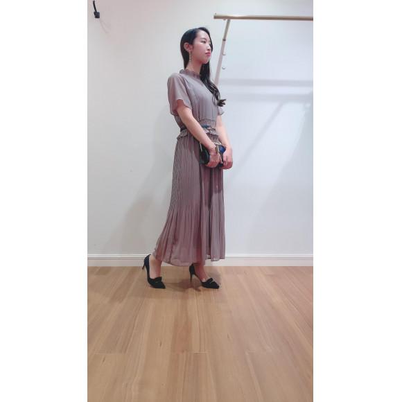 ロング丈プリーツドレス