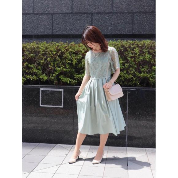 チュール×小花柄ドレス