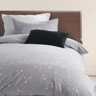 小さな星をたくさんちりばめた寝具カバー